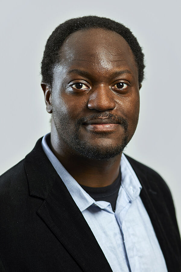 Prof. Dr. Axel-Cyrille Ngonga-Ngomo ist seit 2016 Professor für Data Science.